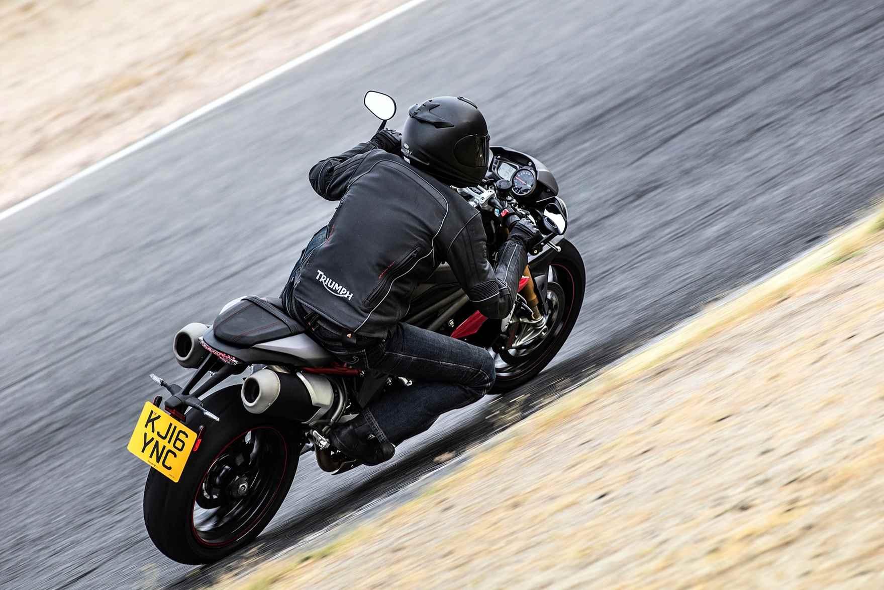 speed-triple-family-rwb-throttle