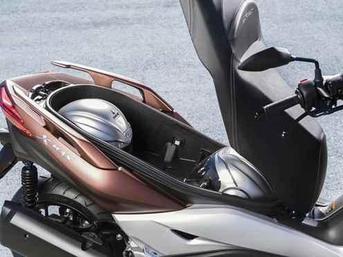 nova yamaha x max 300 2017 pre os de motos. Black Bedroom Furniture Sets. Home Design Ideas