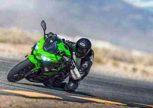 Imagem da Ninja 400 na cor Verde